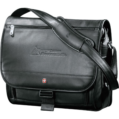 """Wenger Executive Leather 17"""" Computer Messager Bag"""